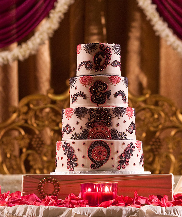 mehndi design on wedding cake